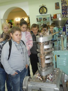 On October 23, 2012 154 students of Kharkov secondary schools visited the Museum of the History of Pharmacy of the National University of Pharmacy.